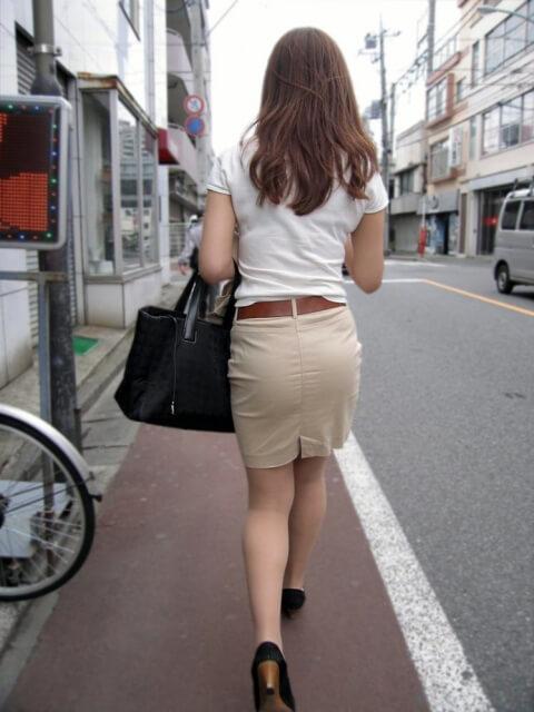セフレにタイトスカート履かせてみた